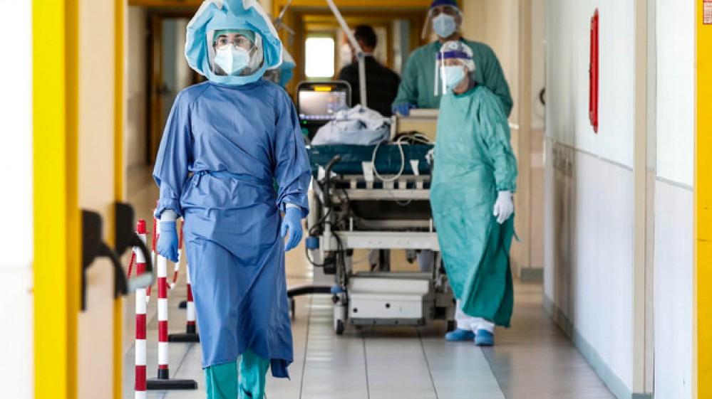 Vaccini, superati 71 mln di dosi somministrate. Corsa al Green pass