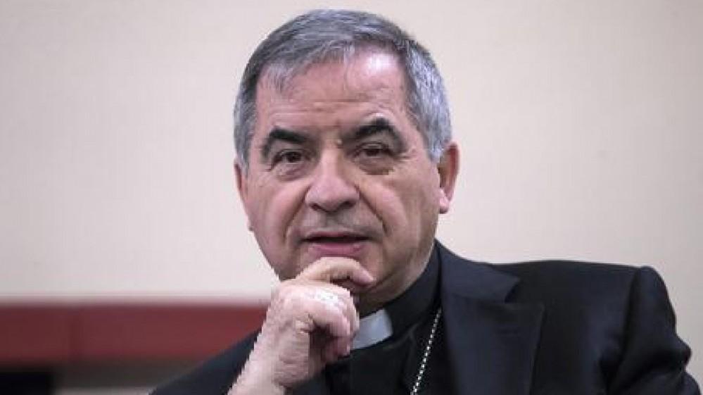 Vaticano, il cardinale Becciu e altri 9 a processo per l'acquisto del palazzo di Londra