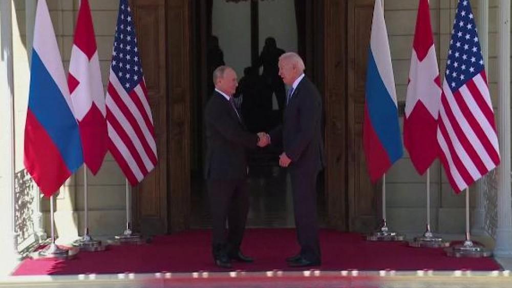 Vertice Usa-Russia, Biden e Putin dicono no alla guerra nucleare e sì al ritorno degli ambasciatori